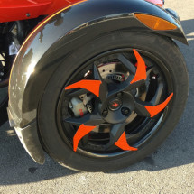 Can-am Red the blades wheel kit close